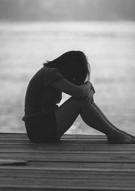 صور بنات كيوت حزينه (1)