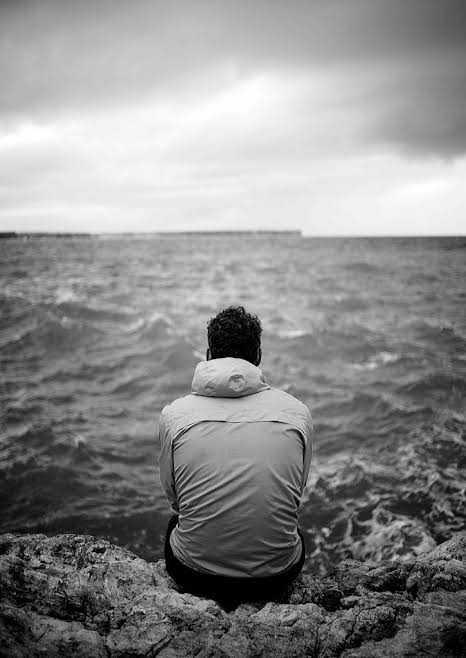 صور حزينة للرجال , اجمل الصور الحزينة للرجال 2021