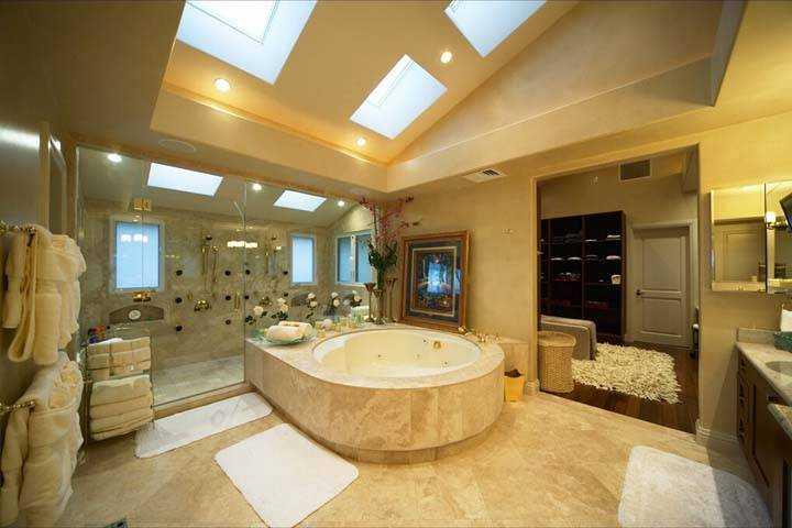 حمامات داخل غرف النوم ـ اجمل تصاميم حمامات زجاج داخل غرف النوم